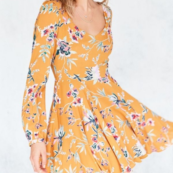 Urban Outfitters Dresses & Skirts - Ecote Rosalinda Floral Long Sleeve Dress